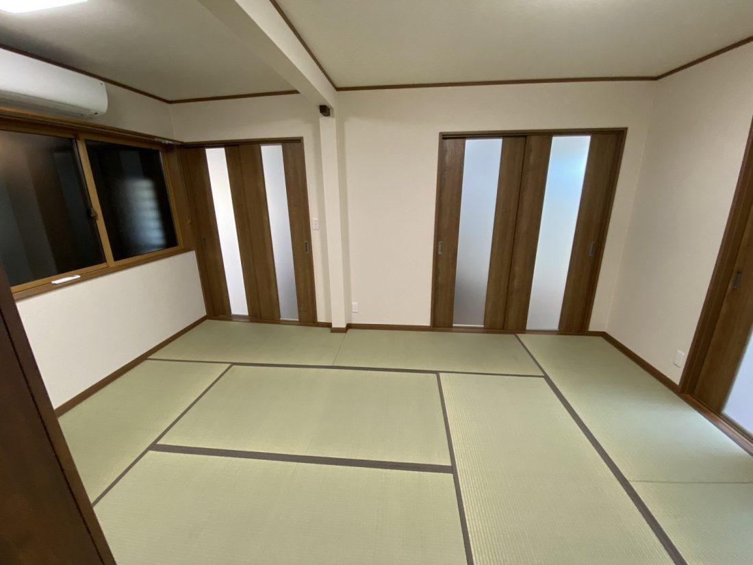 構造上取れない柱は残し、1部屋の大きい和室へリフォームしました。